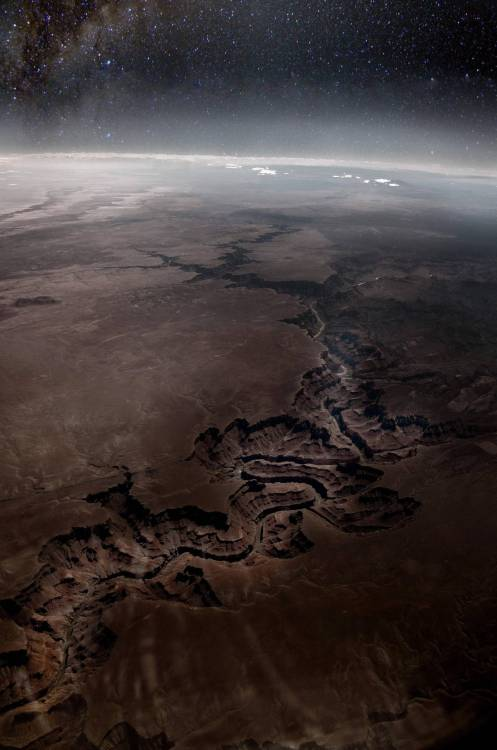 si3rra:  opticoverload:  The Grand Canyon from Space [HD]  Whaddup scar of AZ