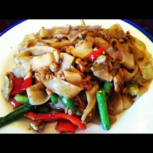 I love free #food. Thanks @gopago ! Pad Kee Mao Moo #noodles #thai (Taken with Instagram at King of Thai Noodle)