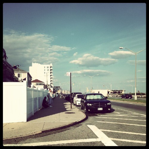 Walking to Alan's house :) #rockaway #clouds #home #nyc #blueskys  (Taken with Instagram)