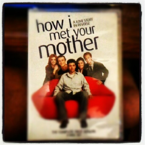 No internet. So I'm watching an actual DVD!  #himym #DVD #nointernet  (Taken with Instagram)