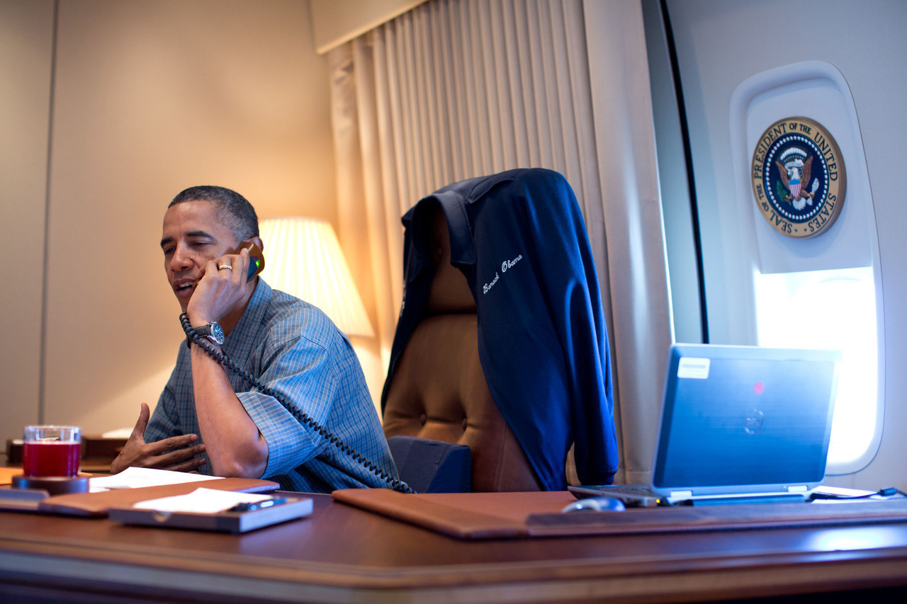 liberalforever:  Barack calling to congratulate the Mars Rover team aboard Air Force One.