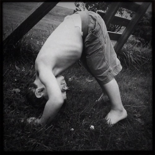 Upside Down #hipstamatic #monochrome #blackandwhite #blackkeysbw #children #portrait (Taken with Instagram)