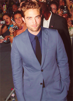 Rob in Gucci at the Cosmopolis NYC premiere - August 13th (x)   Babyyyyyyyyyyyyyyyyyyyyyyyyy.