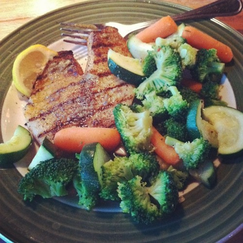 Talapia and veggies #paleofor30 #paleo  (Taken with Instagram at Applebee's)