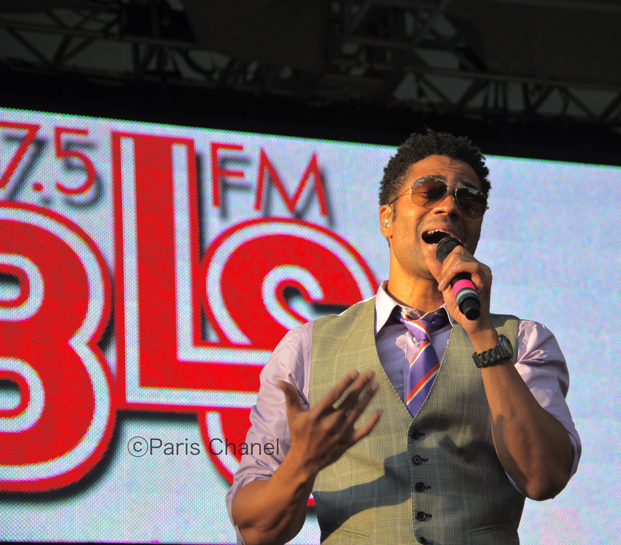 Eric Benét performing at Summerstage Photo by yours truly