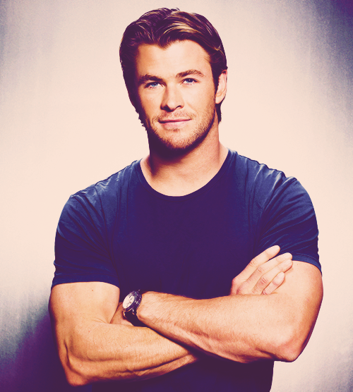 Favorite Chris Hemsworth Pictures | 1/100