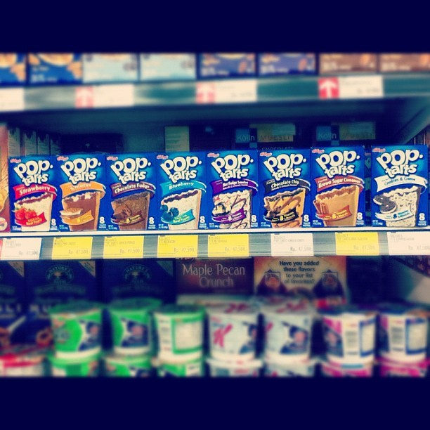Kellog's pop tarts. Super yummy :9 (Taken with Instagram)