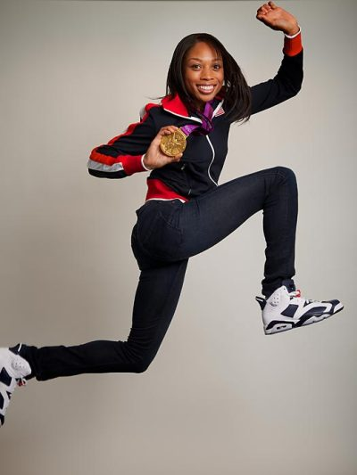 cmputrbluu:  (via Allyson Felix - 200m gold medalist - U.S. Olympic Medalists - Photos - SI.com)  GOLD