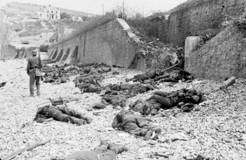 Dead Allied soldiers—mostly British and Canadian—left on the beach after the failed Dieppe Raid.