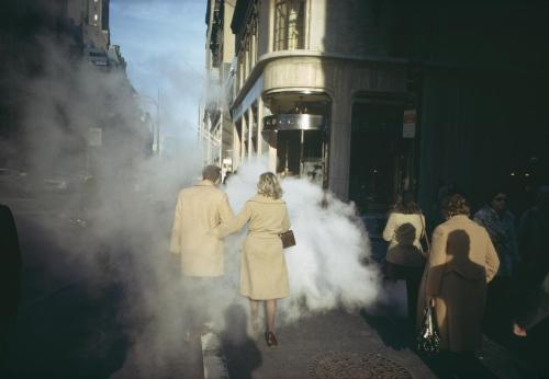 fotografi:  Joel Meyerowitz is one of the best street photographers in the world. His works have been exhibited in galleries and museums around the world. This New York-born photographer started photography in the '60s. www.joelmeyerowitz.com