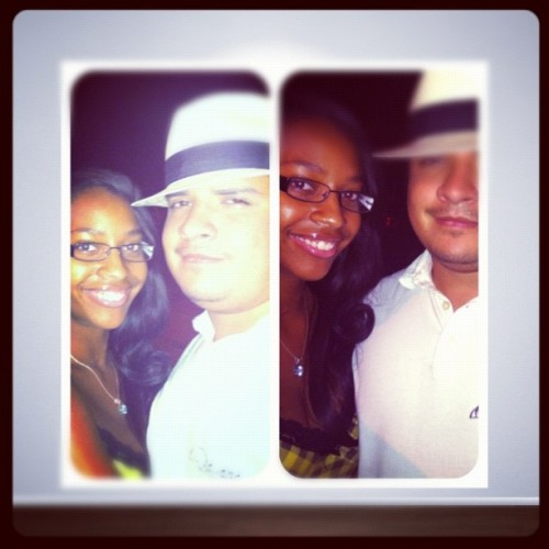 @frametastic #walking #enjoyinglife #happy #love #hats  (Taken with Instagram at Chatsworth Park South)