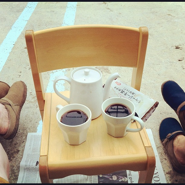 Coffee and ice cream sammiches break. Yes, we have the same shoes.  (Taken with Instagram)
