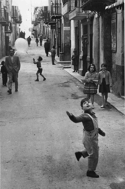 luzfosca:  Enzo Sellerio A Photographer In Sicily, Undated