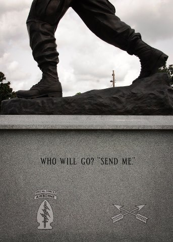 usarmystrong:  United States Army (Special Forces) - Who Will Go ? Send Me !