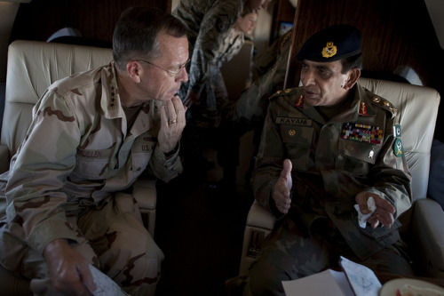 crisisgroup:  Pakistan promises Taliban assault | Radio Australia Pakistan has again promised the US it will launch a crackdown on the Taliban operating in a tribal area near the Afghan border.  Pakistan's military chief, General Ashfaq Parvez Kayani, outlined the planned operation to the top American commander in Afghanistan, General John Allen LISTEN HERE (Radio Australia) Photo: Chairman of the Joint Chiefs of Staff/Flickr