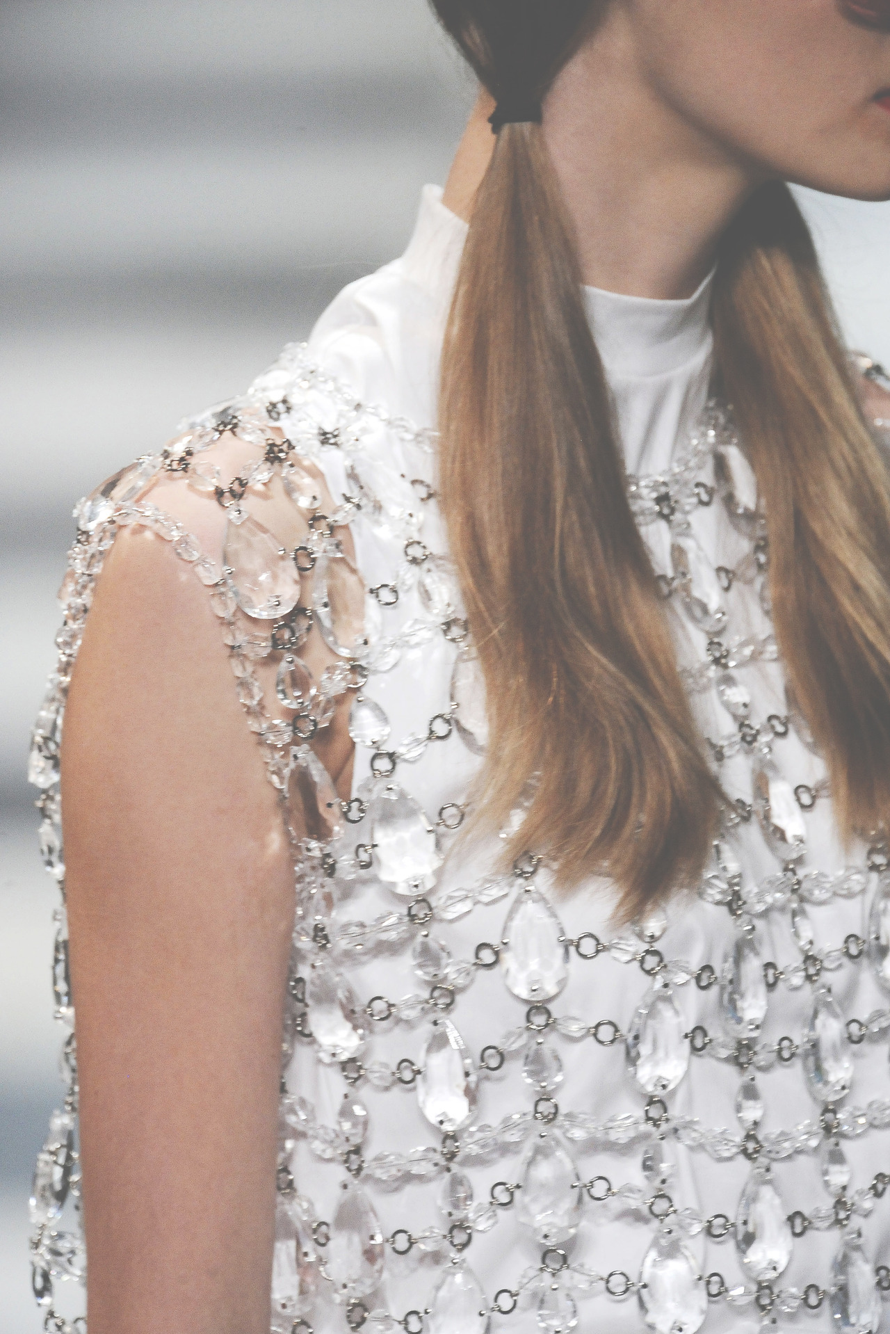 somethingvain:  prada s/s 2010 rtw, details at milan fashion week