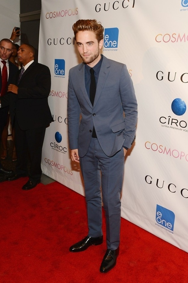 Robert Pattinson resurfaced at the premiere of Cosmopolis last night and he looked GOOD.