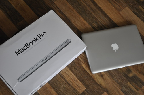 "weloveyouapple:  MacBook Pro 13"" Giveaway! To introduce my blog I'm giving away a MacBook Pro. So take your change and maybe you will be the lucky one! Rules: Reblog as much as you want. Likes don't count. Need to follow ME! Simple as that. I'll pay for the shipping costs and this giveaway is open to anyone in the world. If you have any questions, don't hesitate to ask me."