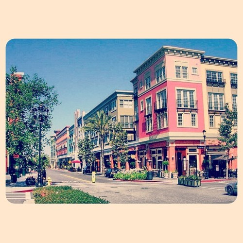It real is just that awesome #santanarow #santaclara #awesome #buildings #rodeoforthesiliconevalley #shopping #fashion #fun (Taken with Instagram at Santana Row)