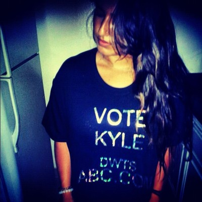 VOTE FOR ME AT bit.ly/vote4kyle !!! DWTS BABY Repost!!