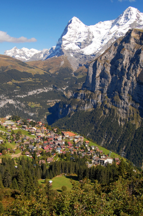travelingcolors:  High in the Alps, Mürren | Switzerland (by Treveri)
