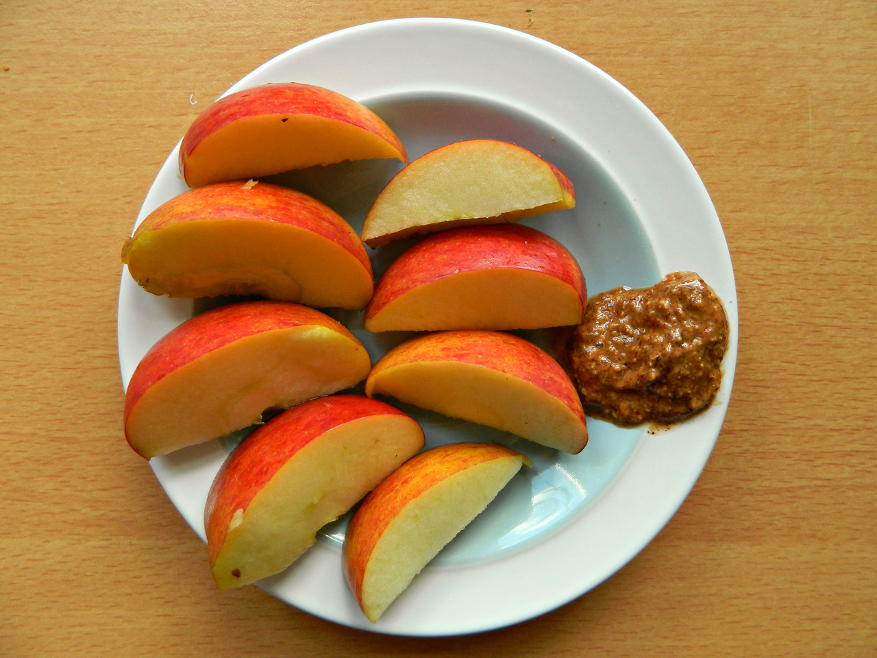 Braeburn apple slices with almond butter. I know, I know… that looks like a tiny amount of almond butter. Occasionally fingers accidentally fall in the almond butter and you have to lick it off. Then this process repeats. Until you realize now there's hardly any left for your apple. These things just happen sometimes. You know how it is.