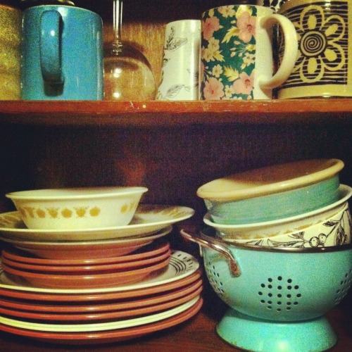 homemadeisbetter:  Dishes.