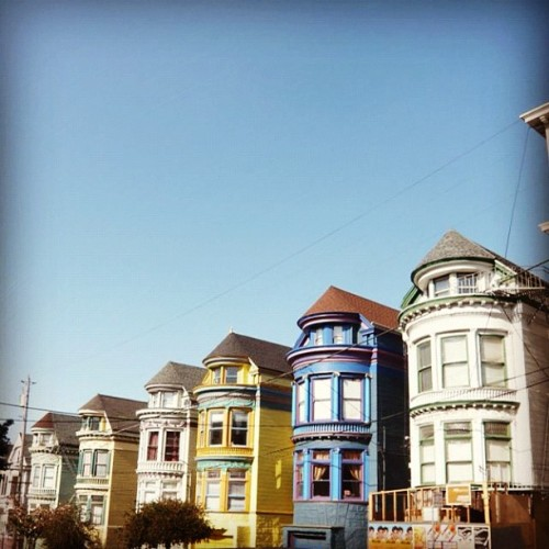#Colorful #SanFrancisco #architecture #archdaily #california #instagood #iphonesia  (Taken with Instagram)