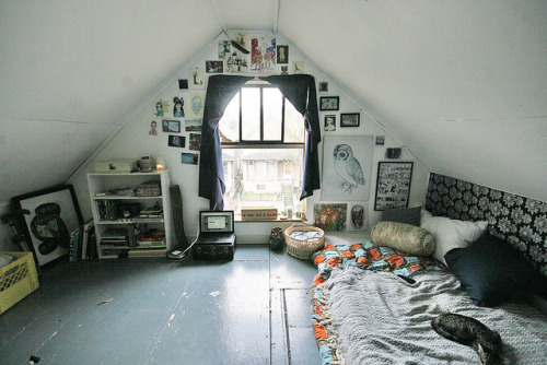 almostlikeadream:  art space attic 1 by coreena on Flickr.