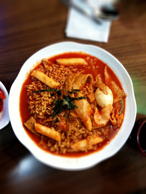 shelovesasianfood:  라볶이.. (by kosew)
