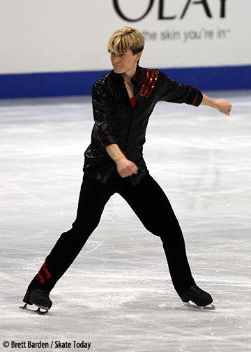 Kristoffer Berntsson skating his short program at the 2007 World Championships.