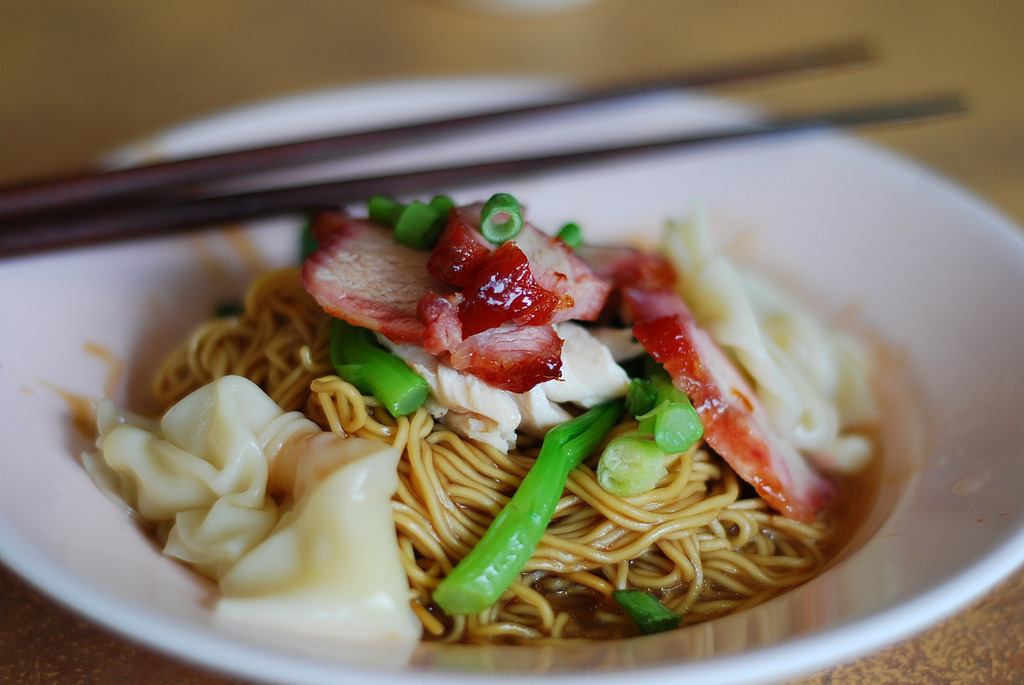 shelovesasianfood:  Wanton Mee (by meyannie)