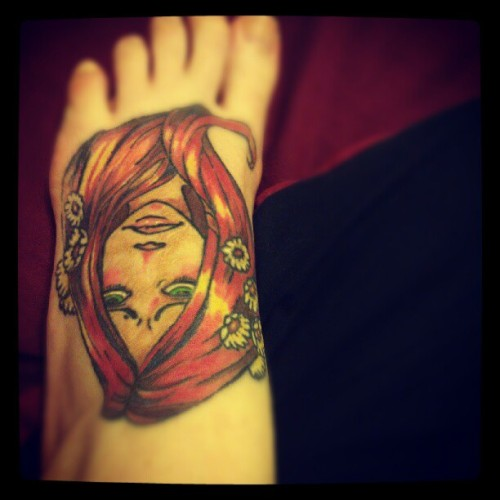 My foot, I drew the design, my wonderful man tattooed me :x #tattoo #foottattoo #agape #skydoll #Alexandraconstance #color  (Taken with Instagram)