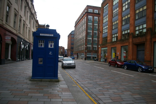 mentally-unstable-like-a-fox:  Awesome Glasgow is Awesome :D First piccy is me sitting on the Olympic Rings. Second piccy is Glasgow's homage to the Olympics! The rest are Tardises (Tardi?)