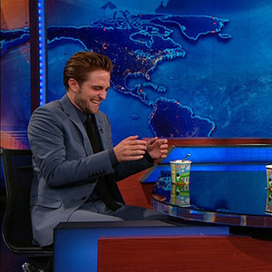 Reblog this if you LOVE how happy Robert Pattinson looks on the Daily Show! #TeamEdward
