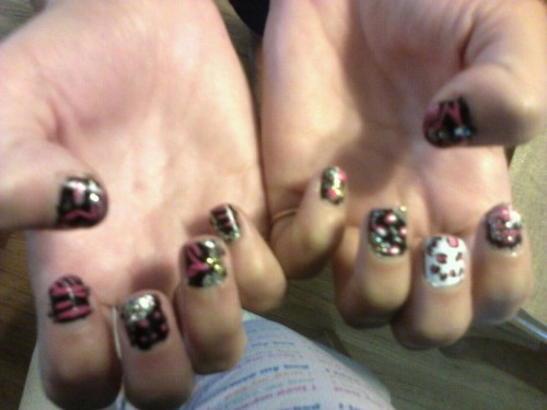 I love to do nails :)