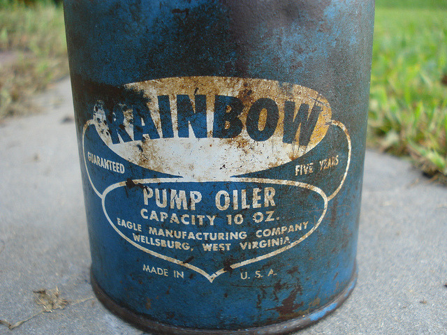 Vintage Rainbow Eagle Pump Oiler by Caleb+OldStuff on Flickr.