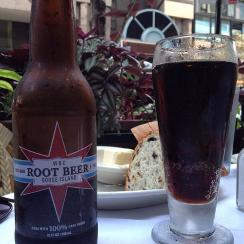 Never thought it would happen… tasted a #rootbeer better than #IBC. #chicago #gooseisland #foodporn #foodstagram #nofilter #food  (Taken with Instagram at Hugo's Frog Bar & Fish House)