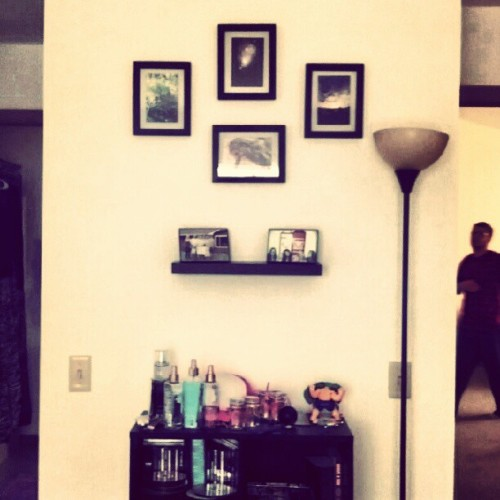 pinkellies:  I actually have wall art now [: (Taken with Instagram)  Reblogging for two reasons1: that's me in the background2: I set that shit up. Aww yiis.