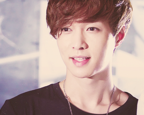 13/15 pictures of Lay