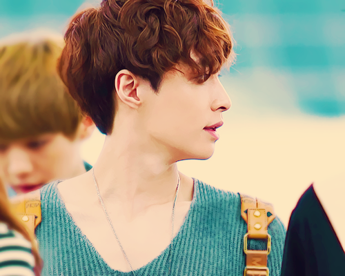 14/15 pictures of Lay