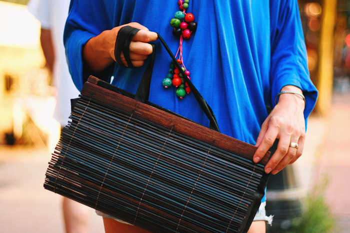 Check out this wooden purse inspired by Stella McCartney. http://farm3.static.flickr.com/2673/3998019713_e8754790e3_o.jpg