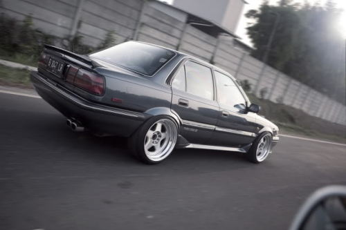toyota-afficionado:  clean and stanced 6thgen Corolla!!