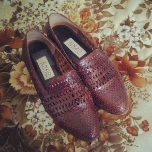 Selling these leather woven loafers, sz7.5-8, $20 OBO +shipping. Contact me if you want them! (Taken with Instagram)