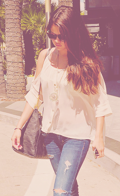 Selena at the Century City mall after having lunch with a friend.