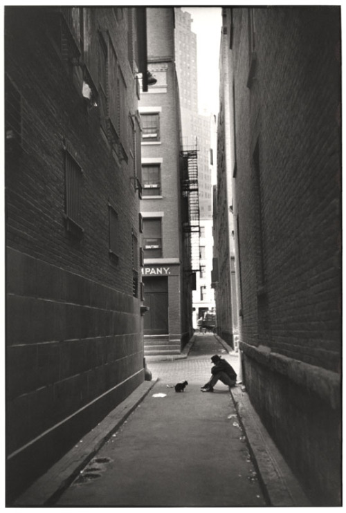 solituderecifetoile:  Henri Cartier-Bresson, New York, 1947
