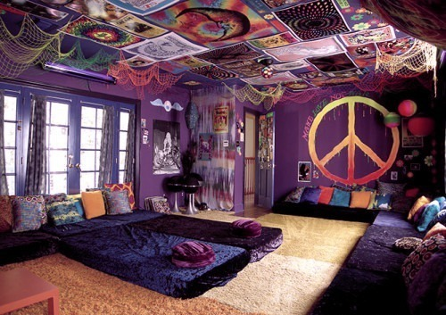 nofear-onlylove:  FOREVER REBLOG!  I want a room just like this. :D