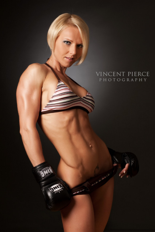 artfitnessfunny:  Bernadett M… so fit!