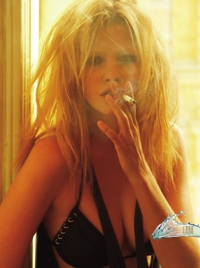 Pipin' hot Lara Stone for V Magazine, May 2009, shot by Mario Testino.