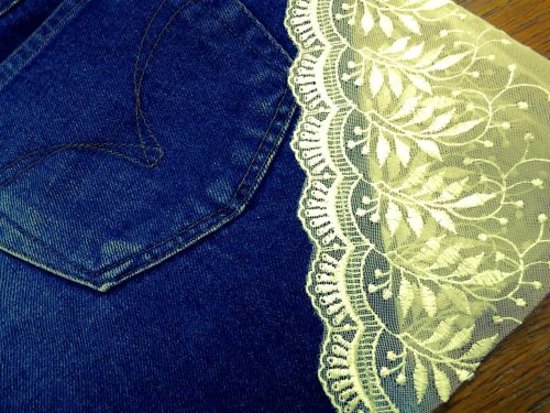 Here you go again, Denim Shorts - Old Jeans New Shorts Project. This is my number 7th. Little Sexy Baby, see through your thigh by white lace. I got the idea from a website then I made my own. Have a nice Day ^^
